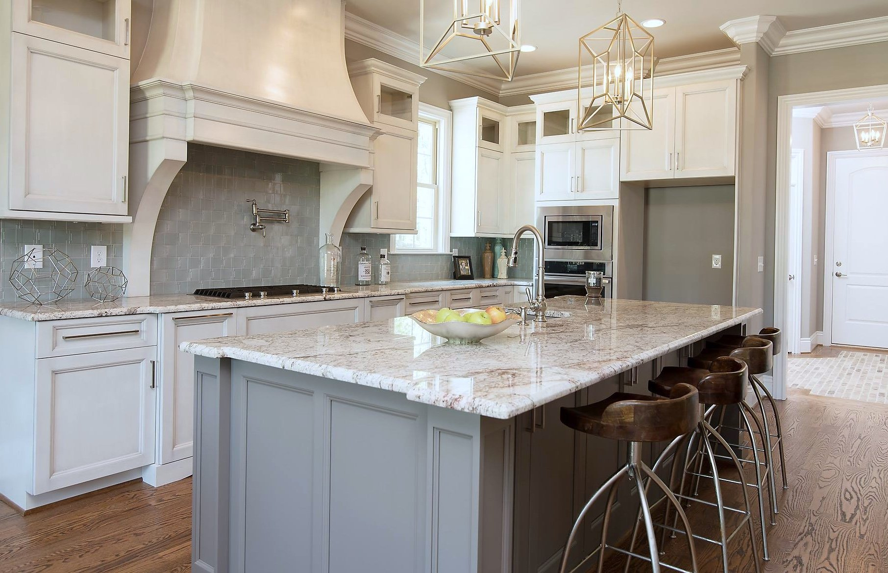 What Is A Kitchen Island With Pictures: Planning For A Large Kitchen Island
